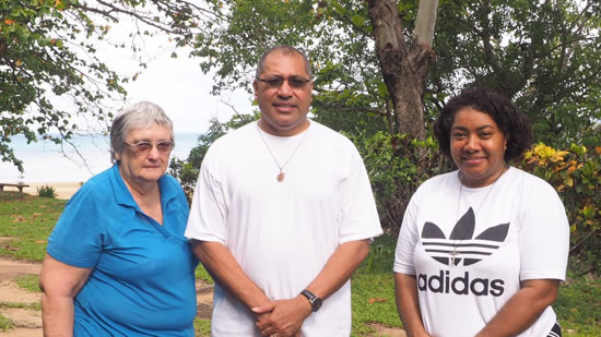 Rass with SSpS Sisters on Palm Island 550
