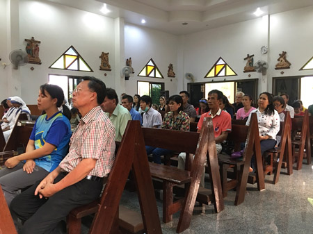 Thailand 20th anniversary congregation 450